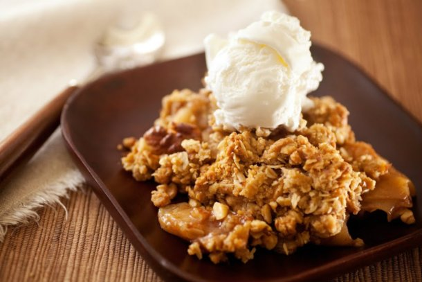 Slow Cooker Apple Crisp!! | 12 Tomatoes