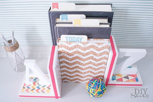 DIY A-to-Z Bookends | DIY Showoff