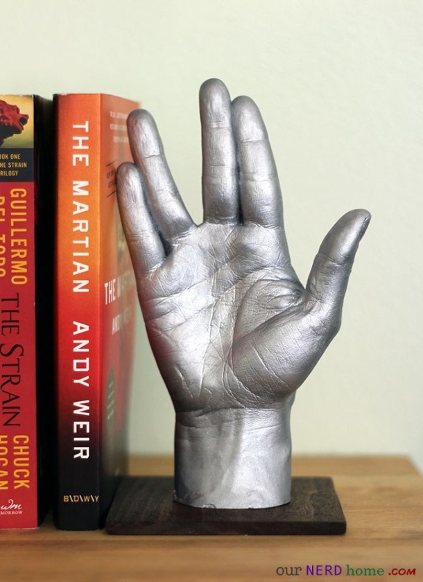 DIY Star Treck Hand Bookend | Geek Decor