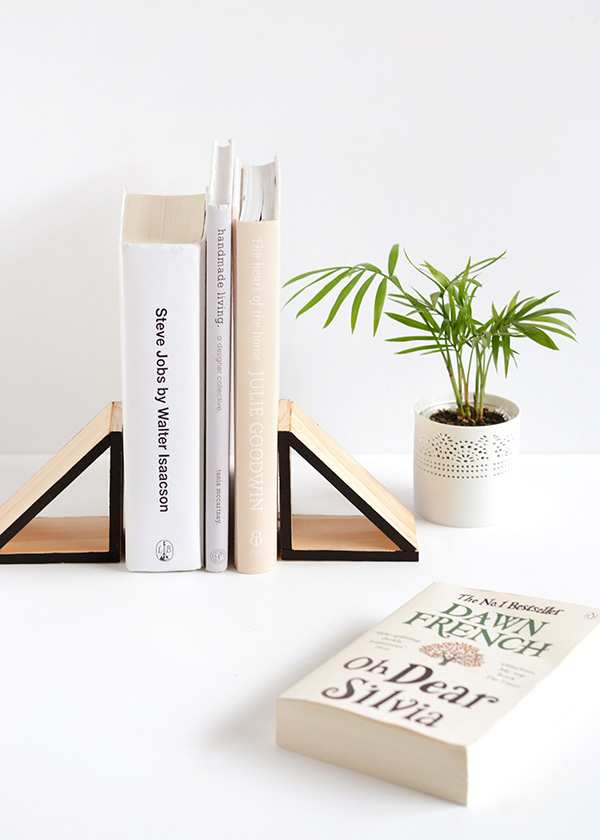 DIY Wood Triangle Bookends | Make and Tell