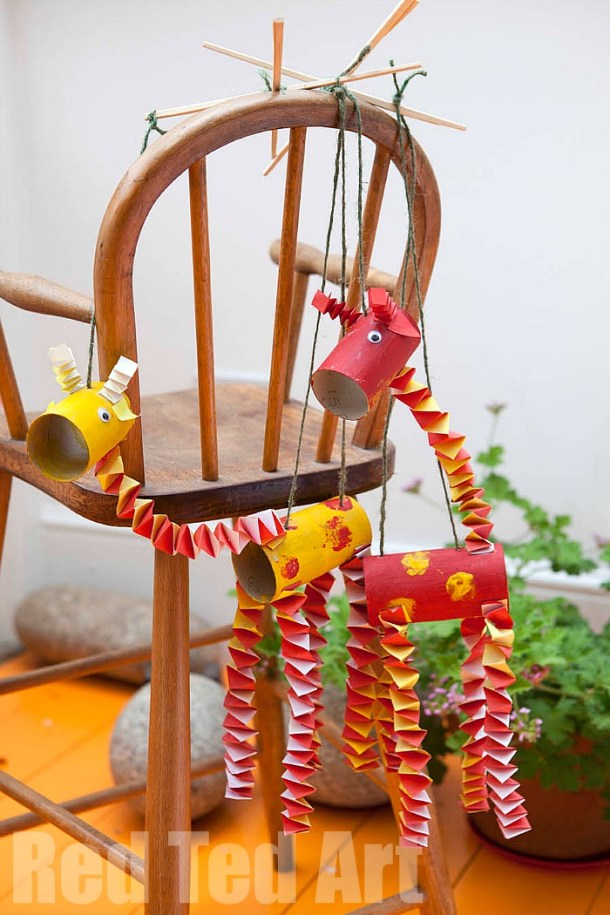 TP Roll Giraffe Puppets | Red Ted Art