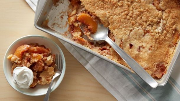 Peaches and Cream Dump Cake | Betty Crocker