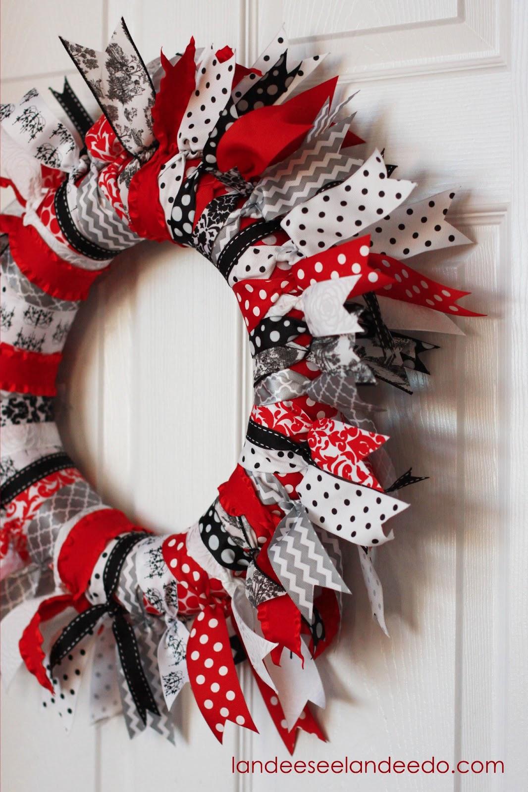 valentine 39 s day ribbon wreath. Black Bedroom Furniture Sets. Home Design Ideas