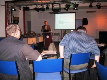 Prof. Dr. Matthias Koziol bei seinem Vortrag über Stadtentwicklung in Cottbus