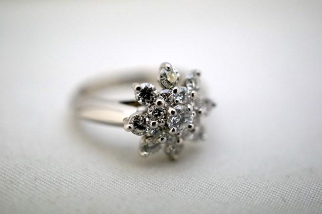 婚約指輪です。ダイアモンド