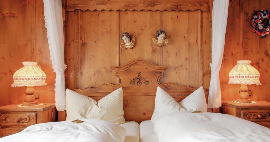 Doppelzimmer im Brauhof mit Doppelbett