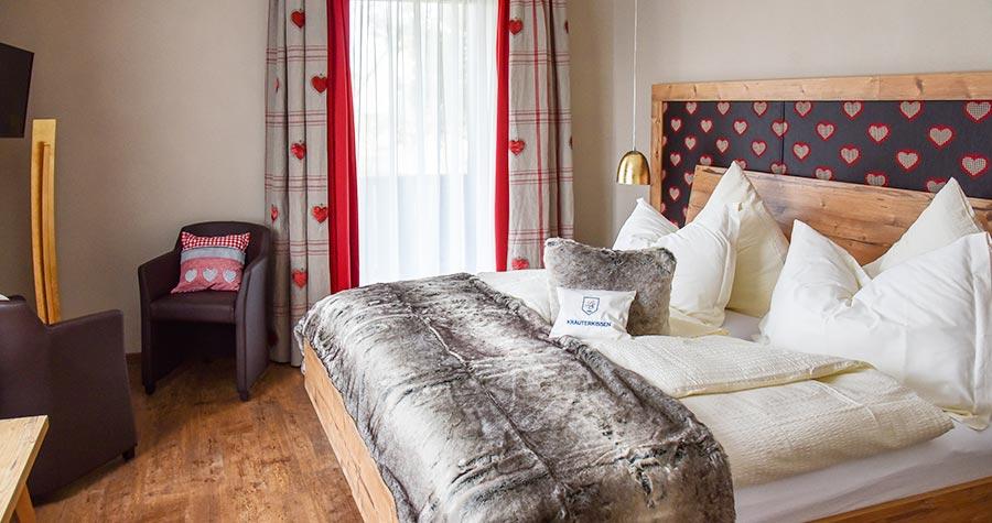Doppelzimmer im Haupthaus mit Doppelbett