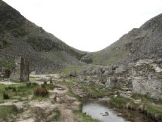 Das alte Minendorf im Glenealo Valley