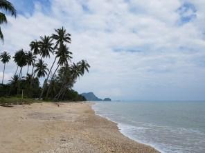 Rund herum weißer Strand