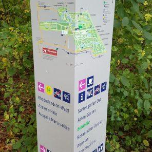 Hinweisschild Rhododendron-Park
