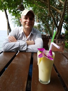 Kokosnuss-Shake in der Koh Raham Bar
