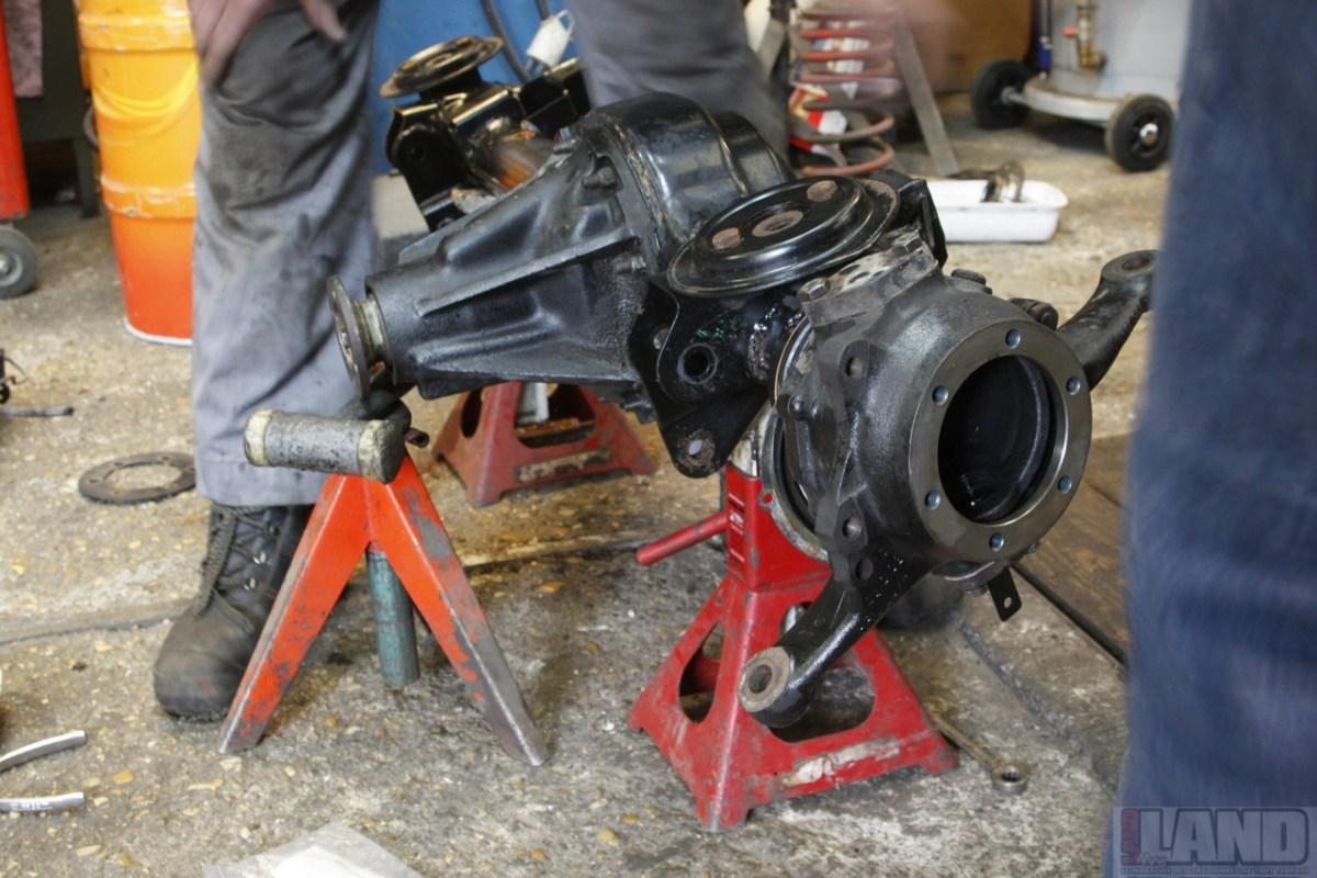 Mécanique : Réfection d'un ensemble de pivots de roues