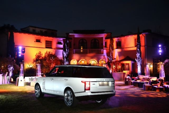 range rover lwb des photos une vid o et les prix. Black Bedroom Furniture Sets. Home Design Ideas