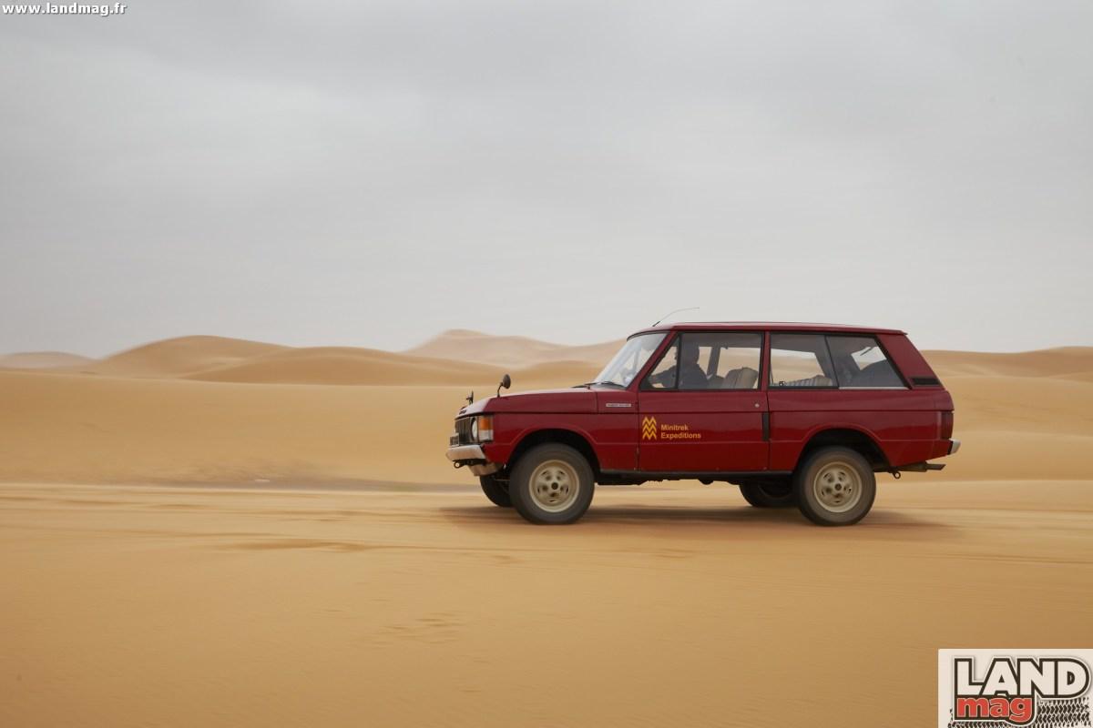 Photos: le Velar (Range Rover) en test au Maroc en 1969