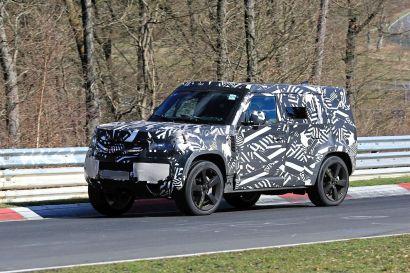 2020-land-rover-defender-shows-up-on-nurburgring_4