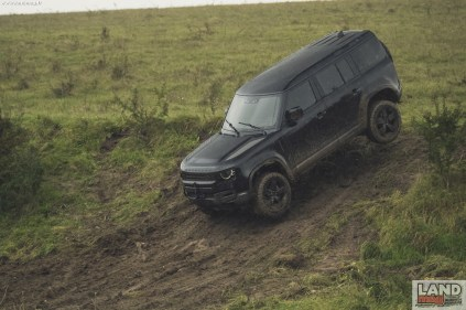 Behind the scenes image of the New Land Rover Defender featured in No Time To Die _01
