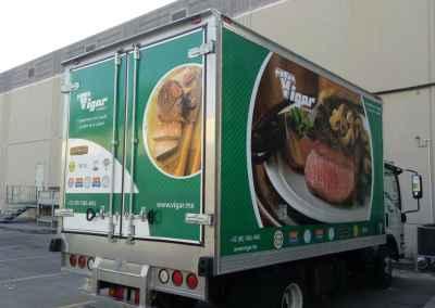 Vinil adherible impreso en camión Vigar