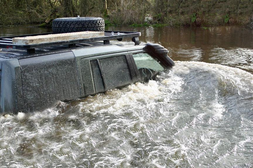 mcdonald landrover Discovery 3 wading