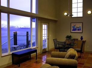 701 living room 3