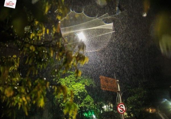28+ Rainy Night Pictures In Front Of The House - Arjuna Wallpaper