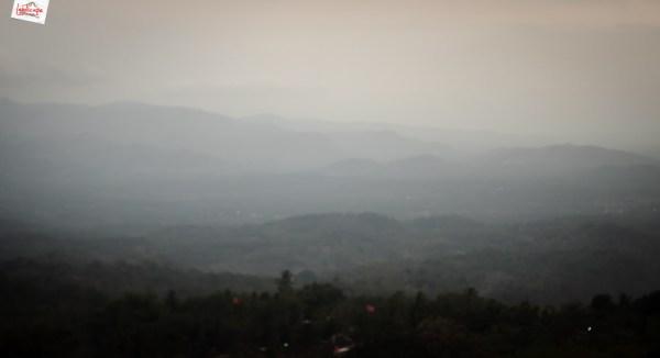 view dari bukit laskar pelangi