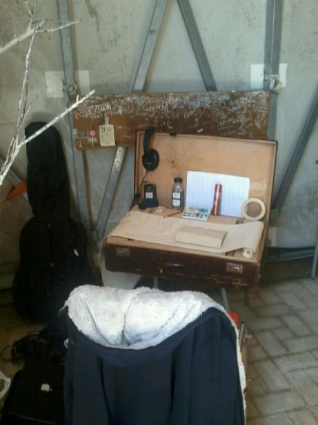 The suitcase residence on a trip to Sicilie with composer Hans Visser