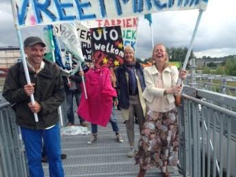 Tijdens Nieuw in Groningen, van de Groninger Stadsambassade, ontstaat er ludiek protest!