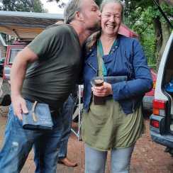 Sjef en Elles vieren de uitgave LEES ME en hebben duidelijk samen veel voor elkaar gekregen