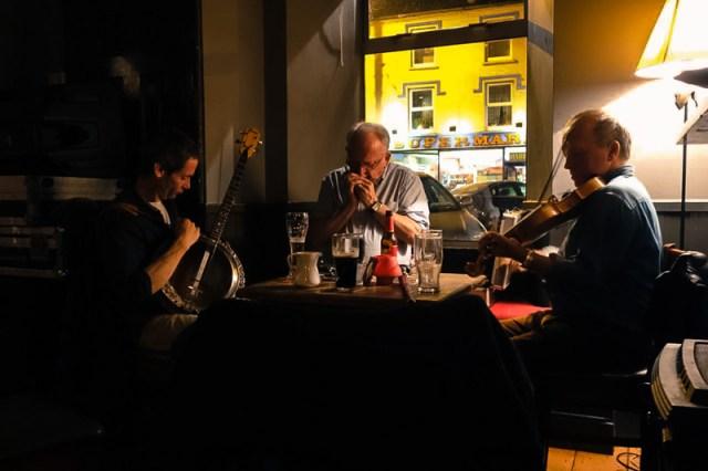 Irish music pub life