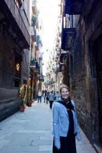 Walking the medieval alleys of Barcelona