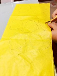 foglie autunnali di carta velina