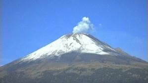 Emite Popocatépetl 256 exhalaciones de baja intensidad