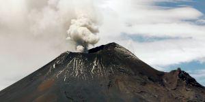 Popocatépetl permanece con emisión leve y continua de gases