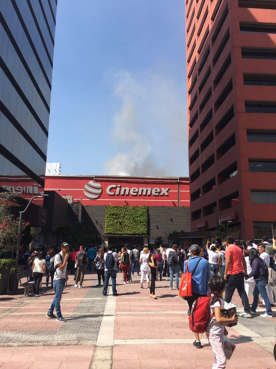Se incendia el Cinemex Galerías Plaza de las Estrellas en la CDMX