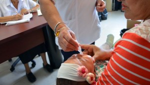 Diputada provoca escándalo con proyecto contra vacunas