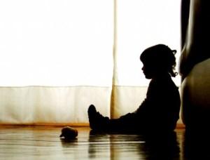 Hombre abusa sexualmente de su sobrina de 4 años