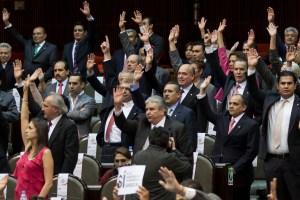 Diputados gastan 300 mil pesos en actualización de calculadoras