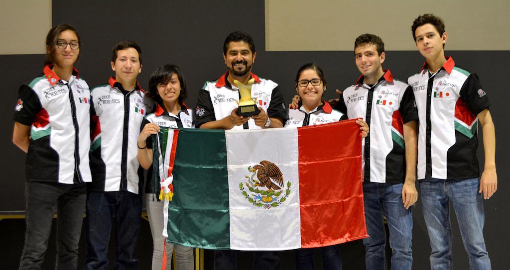 Estudiantes mexicanos son campeones en torneo internacional de robótica