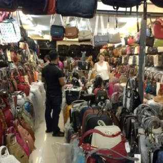 Bag Shopping - if only Travel Agents could help.