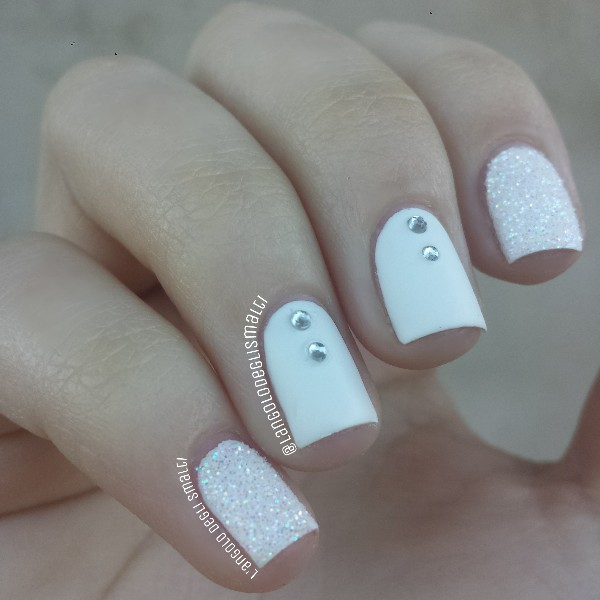 whitenails.small