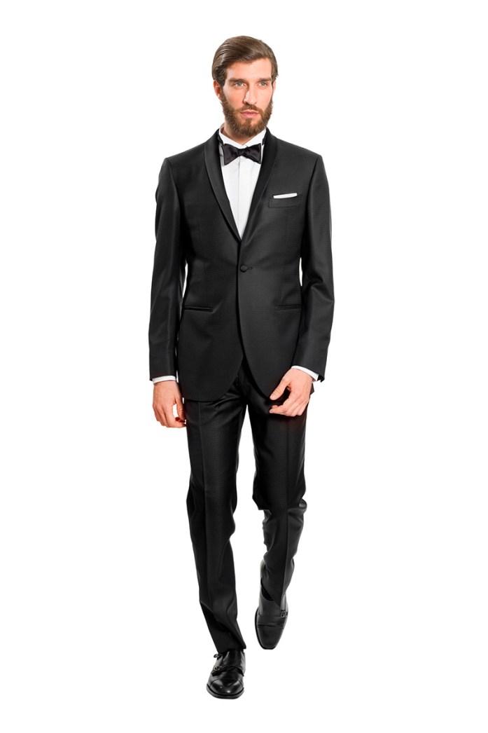 Uomo in smoking, black tie look