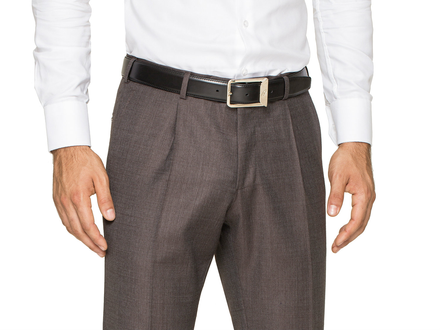 Pleated dress pants in style