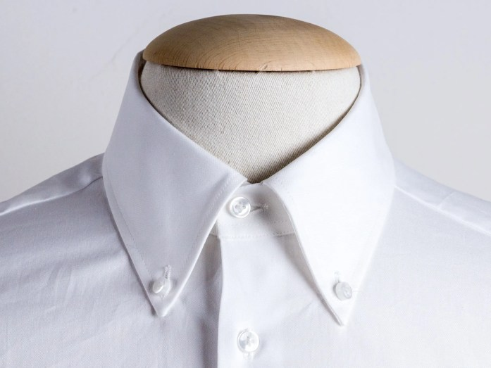 Colletto button down corto per la camicia
