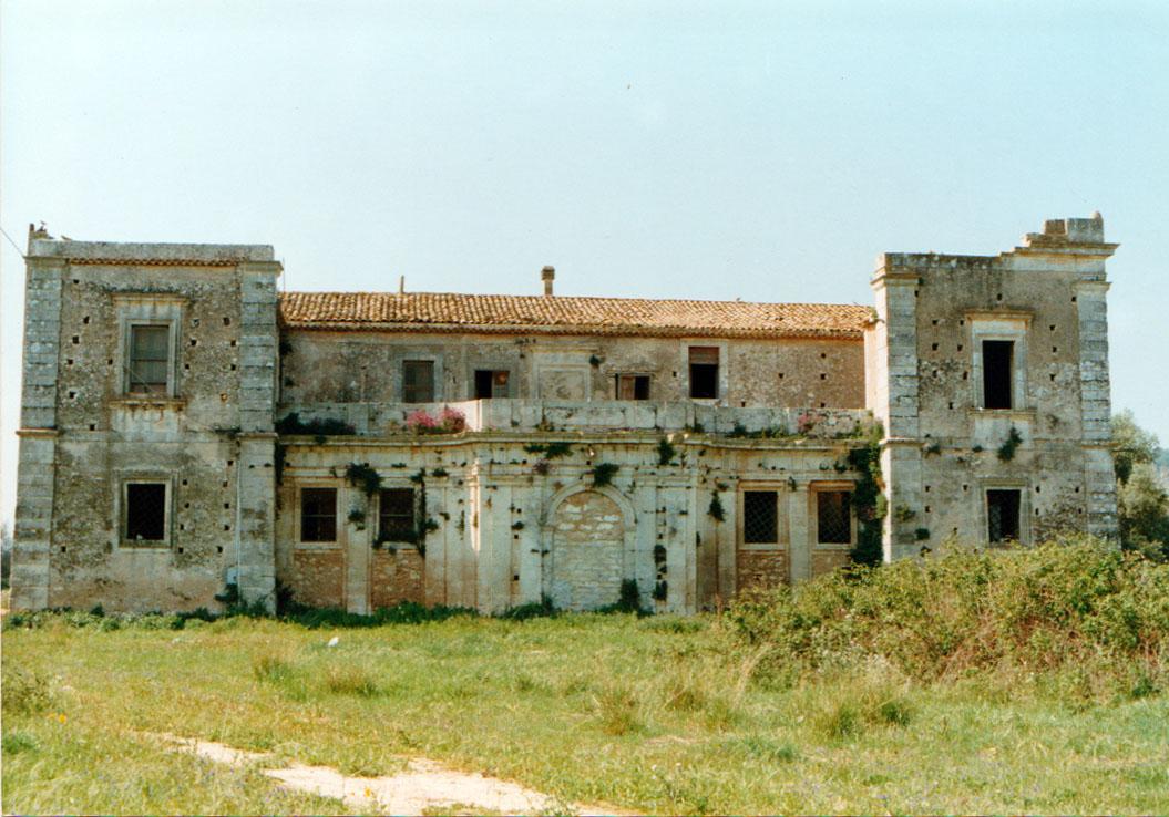 Maeggio: la villa dei baroni Bonanno