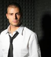 Foto Daniele Battaglia in studio di registrazione