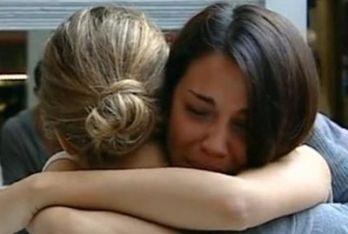 Rosa Baiano abbraccia Angelica Livraghi