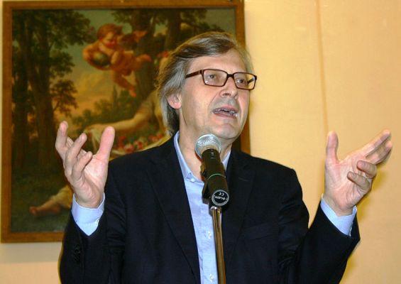 Vittorio Sgarbi Ora ci tocca anche Sgarbi Foto