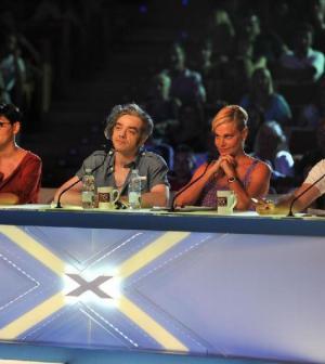 x-factor 2011 la giuria composta da Arisa, Simona ventura, Elio e Morgan