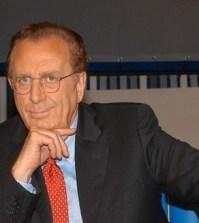 Il conduttore di Apprescindere Michele Mirabella