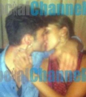 Belen e Di Martino, il bacio